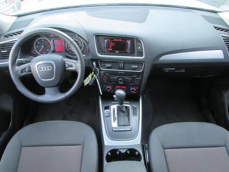 Audi q5 2 0 tdi 170 dpf ambiente quattro s tronic 7 d for Interieur q5