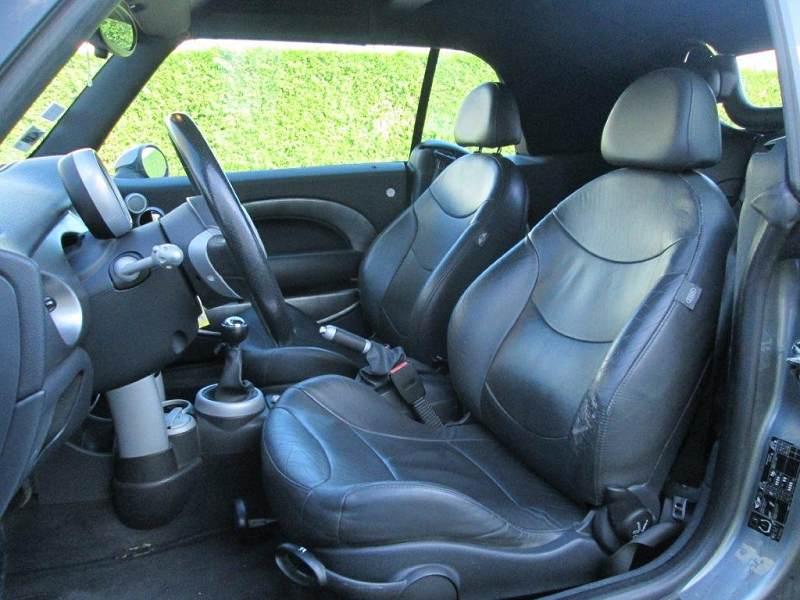mini cabriolet 1 6 170 cooper s 9990 123000km d. Black Bedroom Furniture Sets. Home Design Ideas
